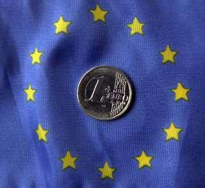 #LaRéplique: La loi pour la protection des consommateurs européens avantage-t-elle les entreprises ou les citoyens?