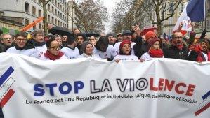 #FactOfTheDay 28/01/2019 – Foulards Rouges movement protests against the Gilets Jaunes