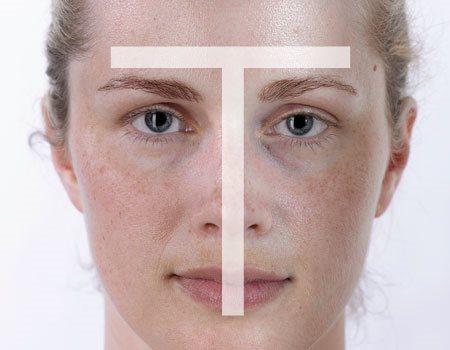 Gương mặt người phụ nữ với làn da hỗn hợp