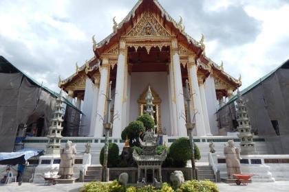 Wat Suthat Thepwararam temple in Bangkok (Copyright: Eugene Yiga)