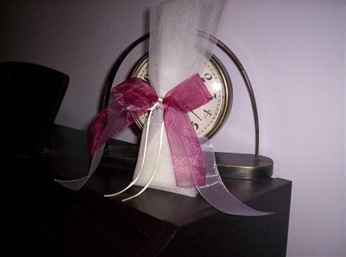 Μπομπονιέρα από Γαλλικό τούλι, Δεμένη με διπλή κορδέλα οργάντζα και σατέν κορδόνι