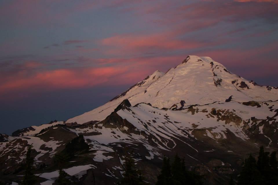 Mount Baker no amanhecer