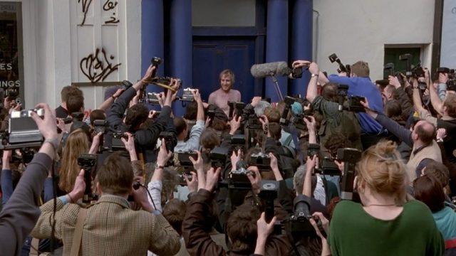 """Cena do filme """"Um Lugar Chamado Notting Hill"""" (Universal Pictures)"""