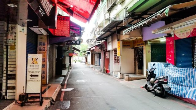 Via Hotel Review Location in Ximending