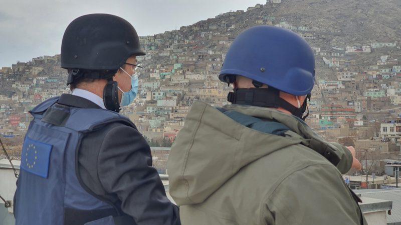 Half of Afghans need humanitarian aid as violence rises: EU commissioner