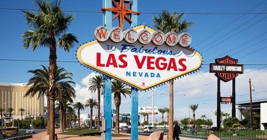 Las Vegas, Nevada. Photo by Thomas Wolf, Wikipedia Commons.