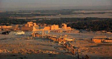 Palmyra, Syria. Photo by James Gordon, Wikipedia Commons.
