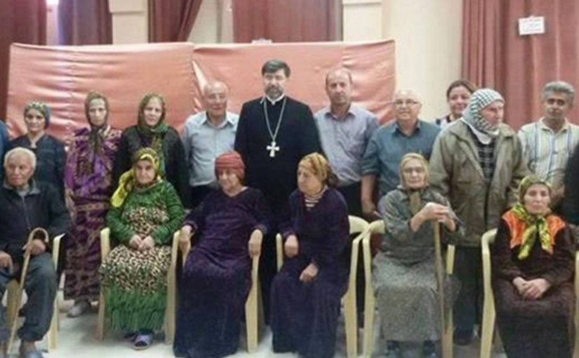 Some of the 22 elderly Assyrians released by ISIS on 11 August www.aina.org