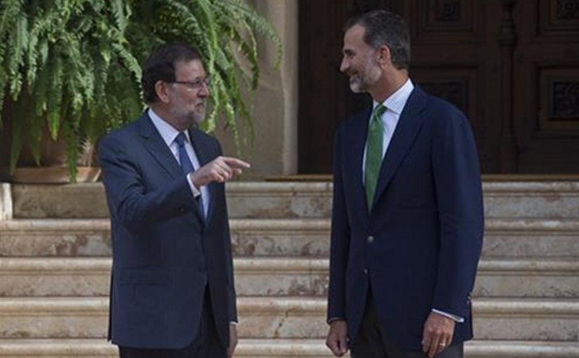 Spain's Prime Minister Mariano Rajoy and King Felipe VI. Source: Pool Moncloa.
