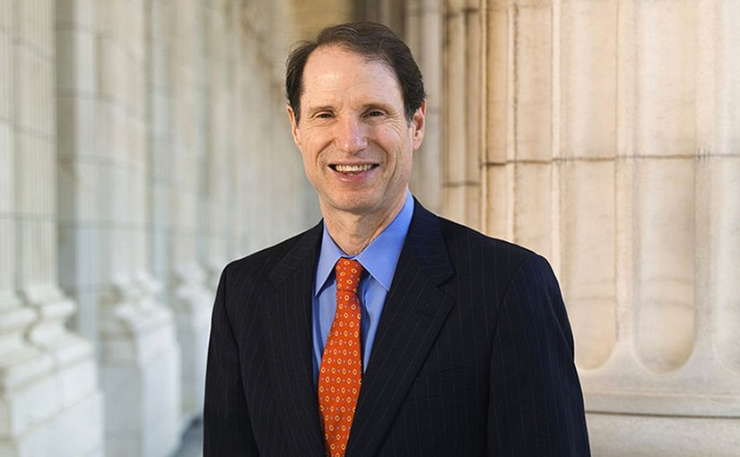 Official portrait of United States Senator Ron Wyden.