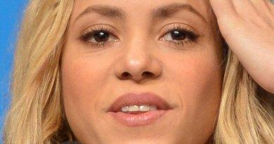Shakira. Photo by Marcello Casal Jr/Agência Brasil, Wikipedia Commons.