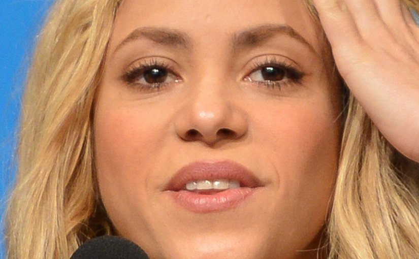 Shakira. Photo by Marcello Casal Jr/Agência Brasil, Wikipedia Commons.