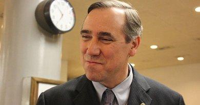 Oregon Senator Jeff Merkley. Photo by Medill DC, Wikipedia Commons,