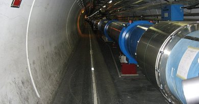 A section of the LHC (Large Hadron Collider). Photo by alpinethread, Wikipedia Commons.