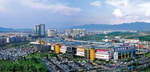 Figure 4: Yiwu's market has an area of 2.6 million square meters, accommodates 58,000 booths, selling over 400,000 plus goods. Source: http://101.69.178.21/purchaserservice/detail/43511.html
