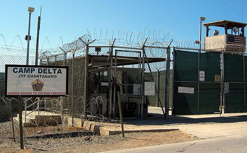 Camp Delta, Guantanamo. Photo by Kathleen T. Rhem, US Defense Dept, Wikipedia Commons.