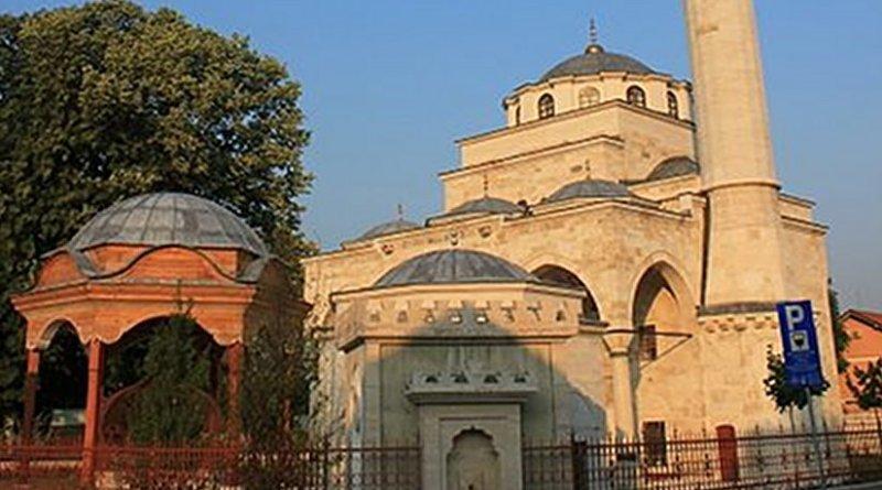 Ferhadija Mosque in Banja Luka, Bosnia and Herzegovina. Photo by Julian Nitzsche, WIkipedia Commons.