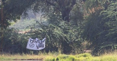 A Boko Haram flag flying near the Bosso post on the Niger-Nigeria border, near Lake Chad. Photo credit: European Commission DG ECHO.