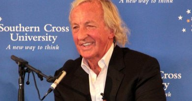 John Pilger. File Photo by SCU Media Students, Wikimedia Commons.
