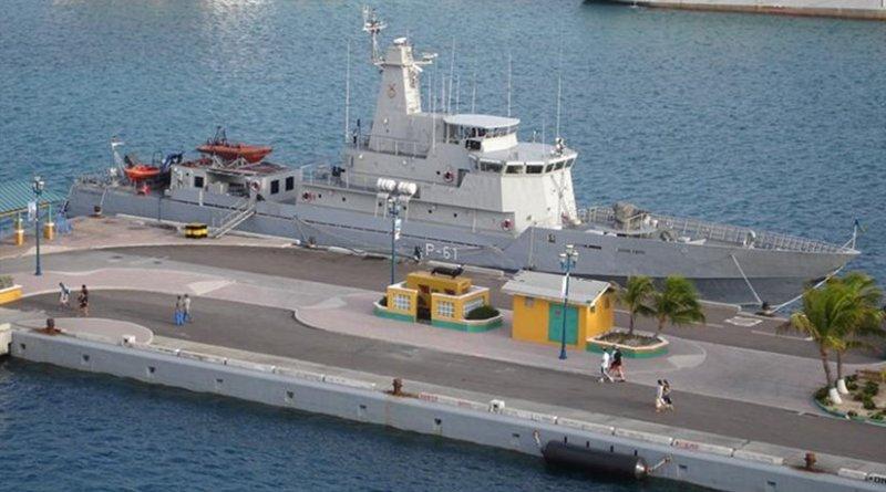 HMBS Nassau. Photo by Erick Perez, Wikipedia Commons.