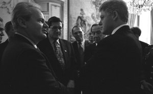 President Clinton talking with Serbian President Slobodan Milosevic. Photo Credit: CIA