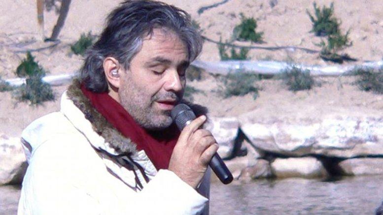 Andrea Bocelli. Photo by Dovywiarda, Wikipedia Commons.