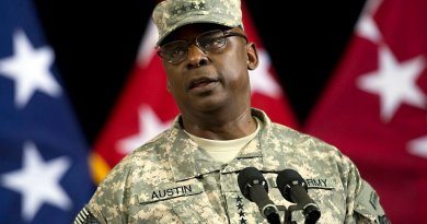 Army Gen. Lloyd J. Austin III, who commanded U.S. Central Command from March 22, 2013, to March 30, 2016. Photo Credit: DoD file photo, by U.S. Navy Petty Officer 1st Class Chad J. McNeeley.