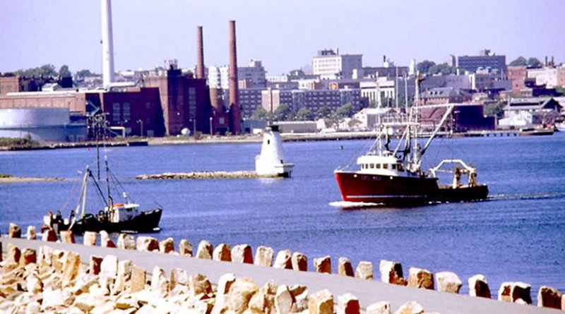 New Bedford Harbor, Massachusetts. Photo by C. Pesch, Wikipedia Commons.