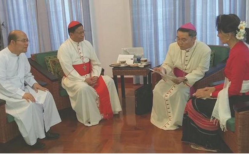 Myanmar's State Counselor Aung San Suu Kyi (right) meets with Archbishop Paul Tsang in-Nam, Apostolic delegate to Myanmar (second from right), Cardinal Charles Bo of Yangon (third from right) and Father Maurice Nyunt Wai, executive secretary of Catholic Bishops Conference of Myanmar at her residence in Naypyidaw on Feb 8. (Photo courtesy of Yangon Archdiocese)
