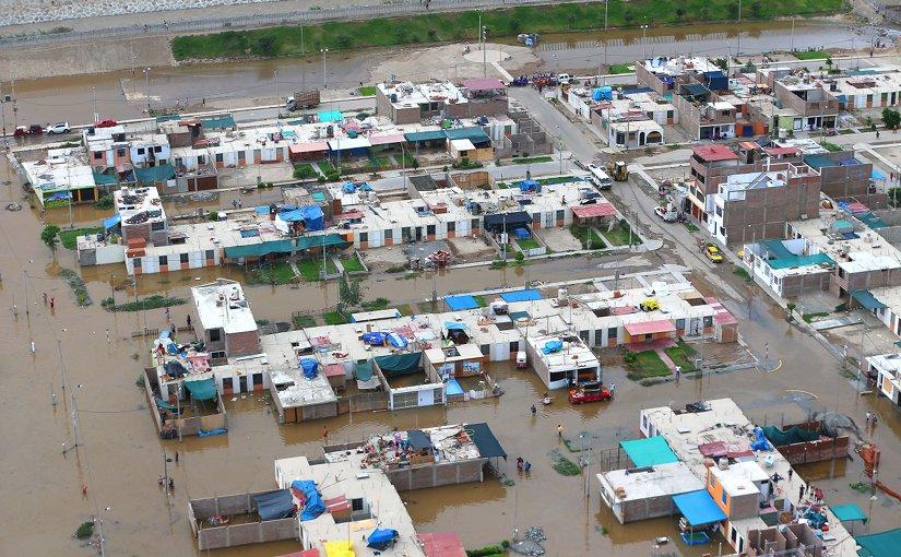 Flooding in La Tinguiña District, Peru. Photo by Ministerio de Defensa del Perú, Wikipedia Commons.