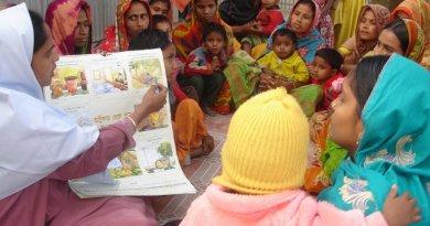 Women seeking healthcare in Bangladesh