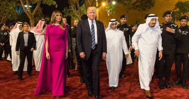 President Donald Trump and First Lady Melania Trump arrive to the Murabba Palace, escorted by King Salman bin Abdulaziz Al Saud of Saudi Arabia, Saturday evening, May 20, 2017, in Riyadh, Saudi Arabia, to attend a banquet in their honor. (Official White House Photo by Shealah Craighead)