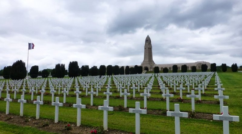 Douaumont ossuary for French and German soldiers who died at Battle of Verdun. Photo by Paul Arps, Wikipedia Commons.