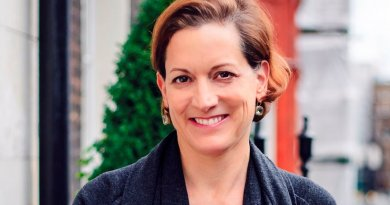 Anne Applebaum. Photo by Hb19821970, Wikipedia Commons.