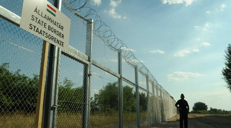 The Hungarian-Serbian border fence. Photo: Wikimedia/Délmagyarország/Schmidt Andrea.