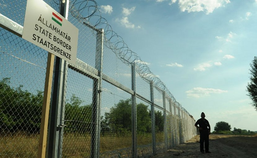 The Hungarian-Serbian border fence. Photo: Wikimedia/Délmagyarország/Schmidt Andrea.