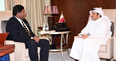 Sri Lanka's Minister of Foreign Affairs Ravi Karunanayake meets with Sheikh Tamim Bin Hamad Al-Thani, Emir of the State of Qatar. Photo Credit: Sri Lanka government.