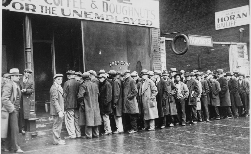 Unemployed men outside a soup kitchen opened by Al Capone in Depression-era Chicago, Illinois, the US, 1931. Photo U.S. National Archives and Records Administration, Wikipedia Commons.