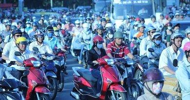 Traffic in Ho Chí Minh, Vietnam. Photo by Lars Curfs, Wikimedia Commons.