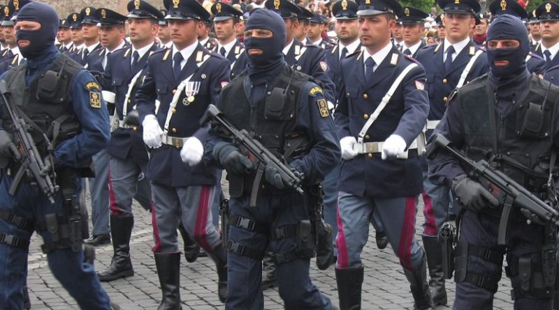 Members of Italy's Anti-Terrorism Police. Photo by Jollyroger, Wikipedia Commons.