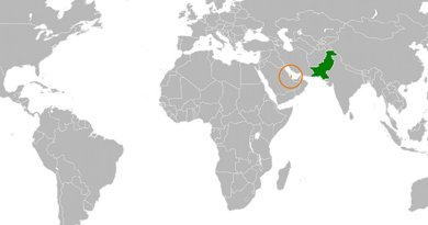 Locations of Qatar (orange) and Pakistan (green). Source: WIkipedia Commons.
