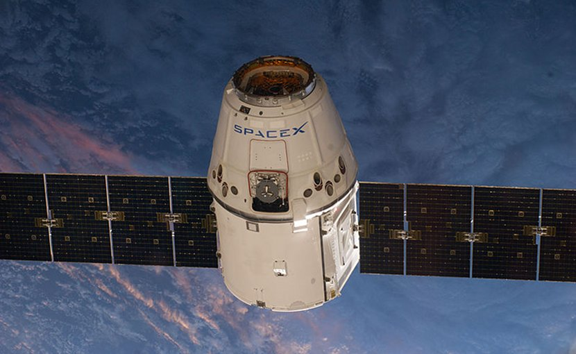 SpaceX CRS-3 Dragon spacecraft. Photo credit NASA/Expedition 39, Wikipedia Commons.