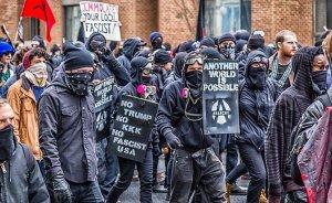 Antifa protestors. Photo by Mobilus In Mobili, Wikimedia Commons.