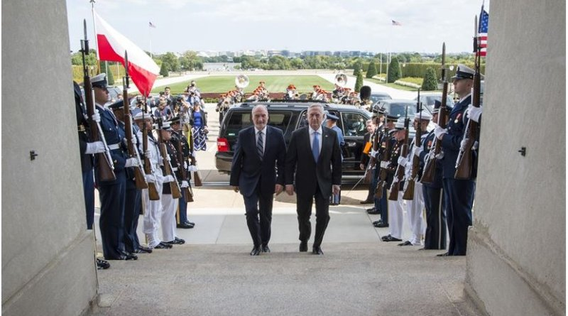 US Defense Secretary Jim Mattis hosts an enhanced honor cordon for Polish Defense Minister Antoni Macierewicz at the Pentagon in Washington, Sept. 21, 2017. DoD photo by Air Force Tech. Sgt. Brigitte N. Brantley