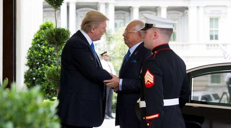 US President Donald Trump welcomes Prime Minister Najib Abdul Razak of Malaysia to the White House | September 12, 2017 (Official White House Photo by Stephanie K. Chasez)