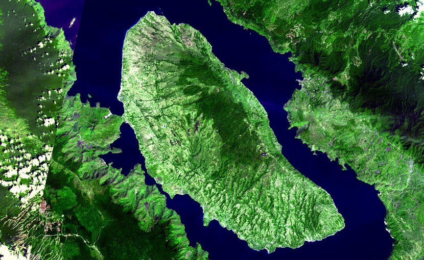 The Toba caldera was the site of a massive super-eruption 75,000 years ago. Credit NASA/METI/AIST/Japan Space Systems, and U.S./Japan ASTER Science Team.