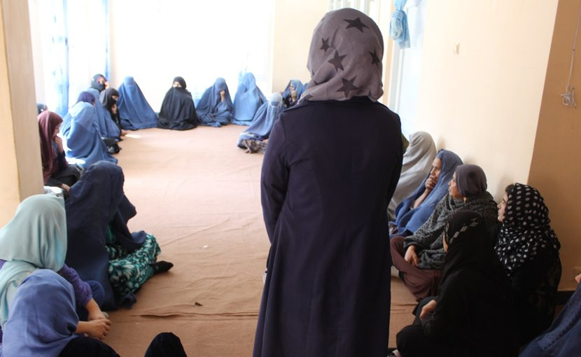 Masoumah invites Afghan mothers to speak about difficulties they face (photo credit: APVs)