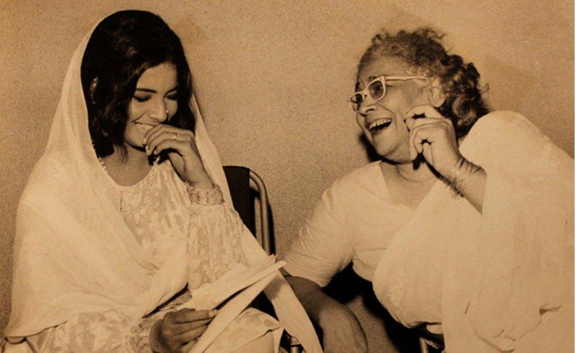 Ismat Chughtai (right) with Indian actress Rekha. (Source: Ashish Sawhney Papers, Mumbai, India)