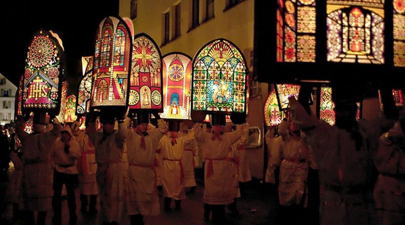 """The Klausjagen (""""Nicholas chase"""") festival takes place in the Swiss town of Küssnacht on the eve of St. Nicholas Day. Photo by Matthias Zepper, Wikipedia Commons."""