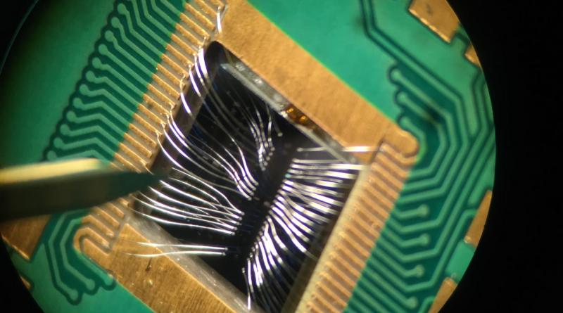 The researchers demonstrated the ability to control with precision the behavior of two silicon-based quantum bits, or qubits, paving the way for making complex, multi-qubit devices using technology that is less expensive and easier to manufacture than other approaches. Credit David Zajac, Princeton University